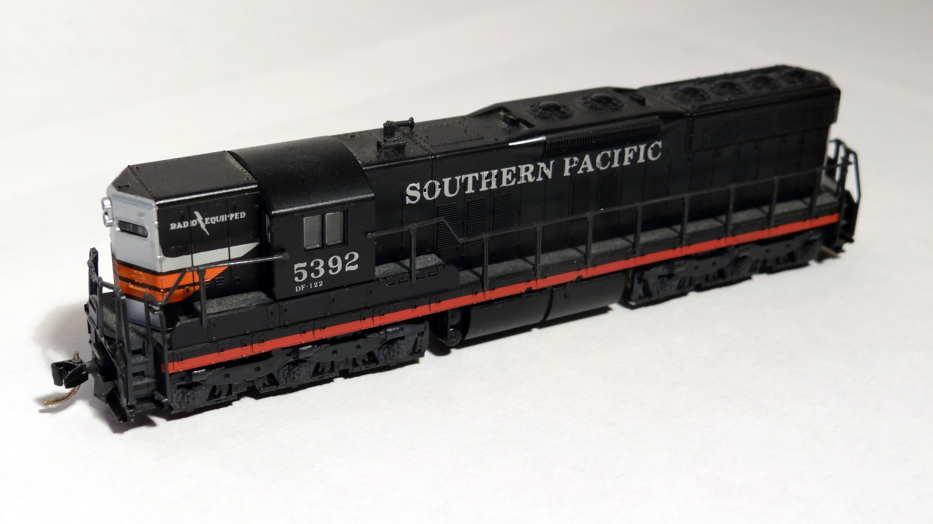Atlas EMD SD9 Southern Pacific black widow locomotive SP