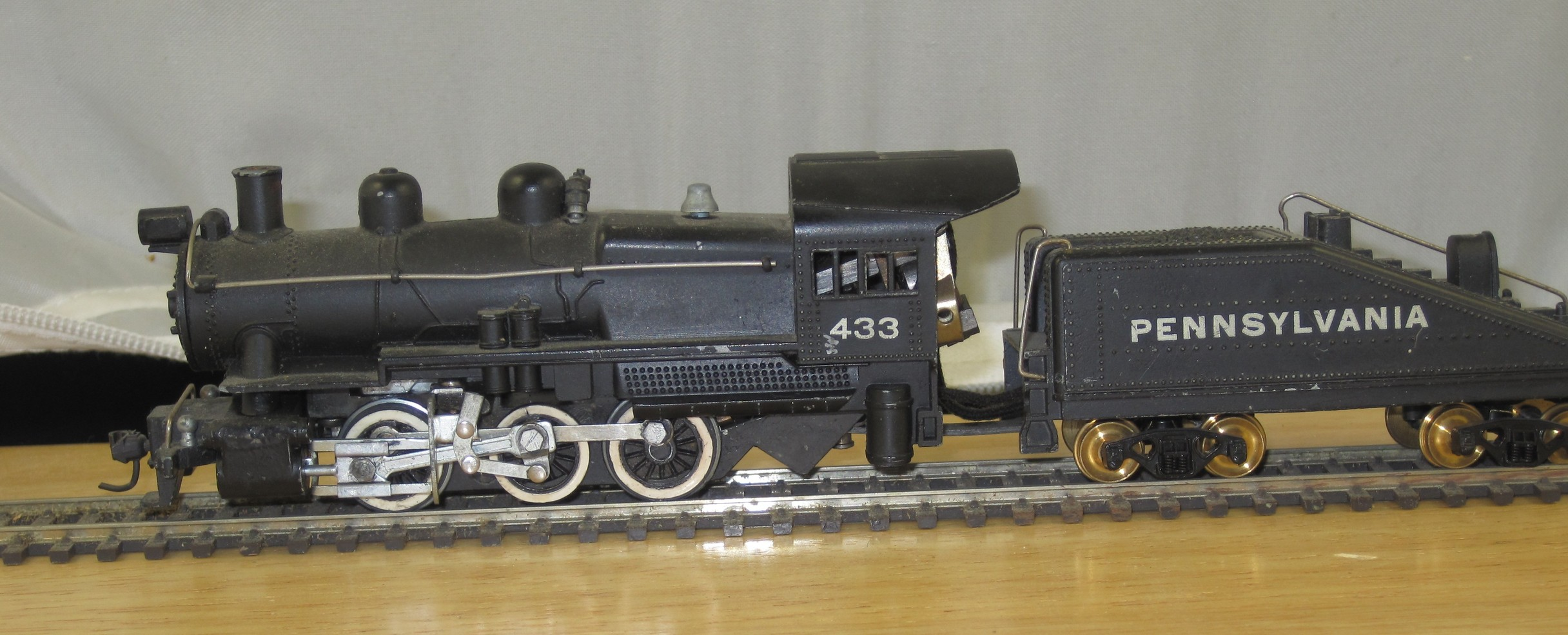 Gilbert 433 Pennsylvania 0-6-0 Steam Loco & Tender