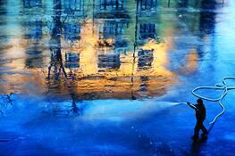 Spray Painting by Eli Reinholdtsen