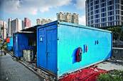 Container Living by Louis Montrose