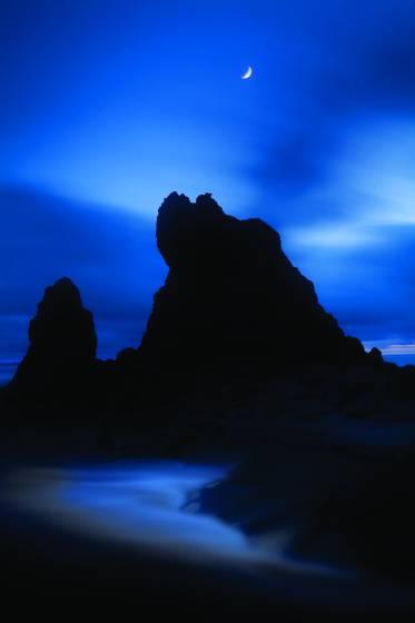 Moon at ruby beach