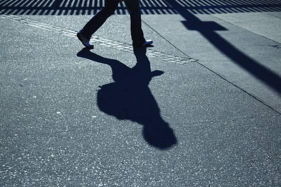 Feet on melbroune street 04