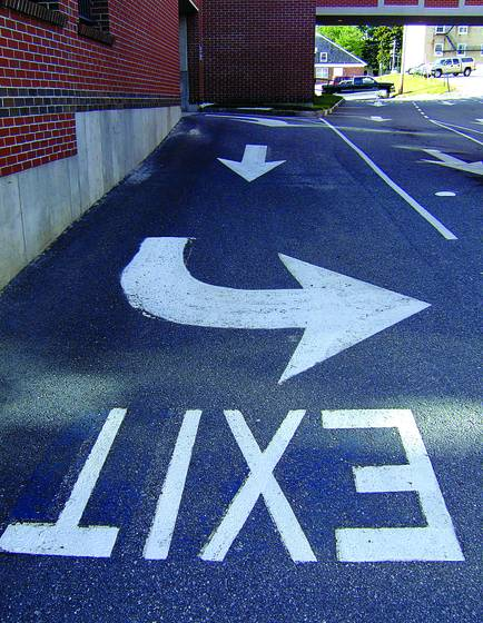 Exit   bldg