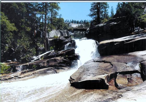 Falls at yosemite 2