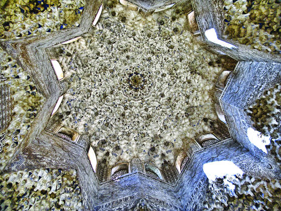Alambra ceiling