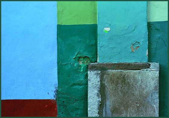 Multicolor wall
