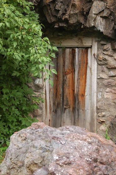 Mine shaft door