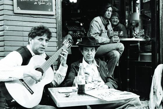 Gypsies in paris