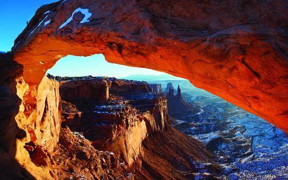 Mesa arch glowing