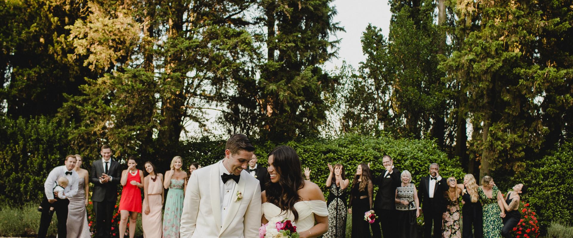 Why More Couples Are Opting for Micro Weddings in 2020