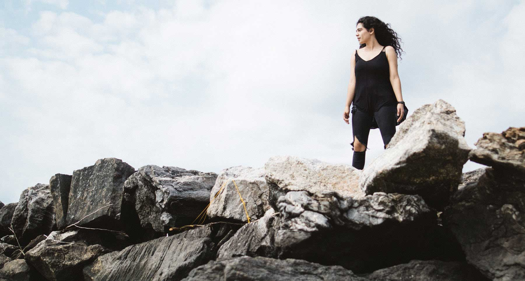 Woman-overcoming-an-eating-disorder-and-self-harm-issue