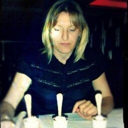 Dr. Arna Karick