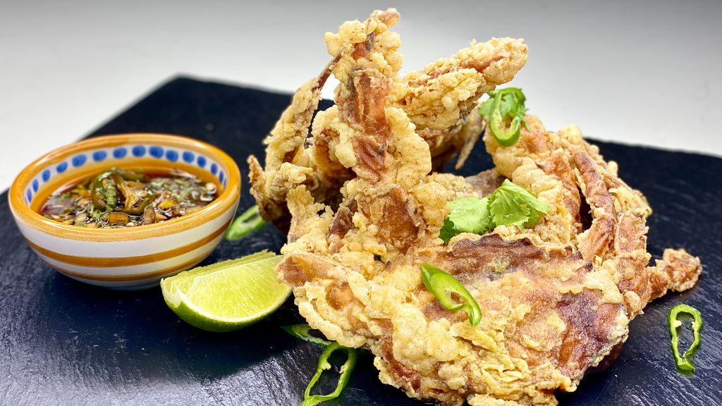 Deep Fried Soft Shell Crabs with Chilli Dipping Sauce