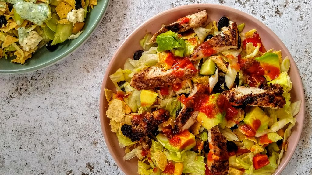 Chicken Taco Salad w/ Black Beans