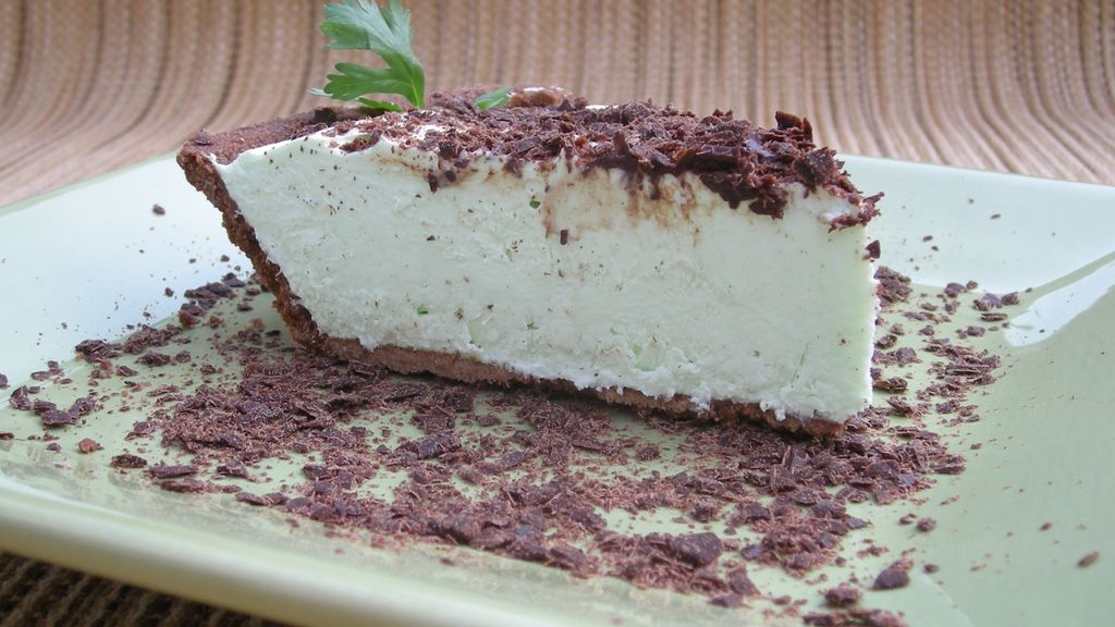 Chocolate Dusted Key Lime Pie