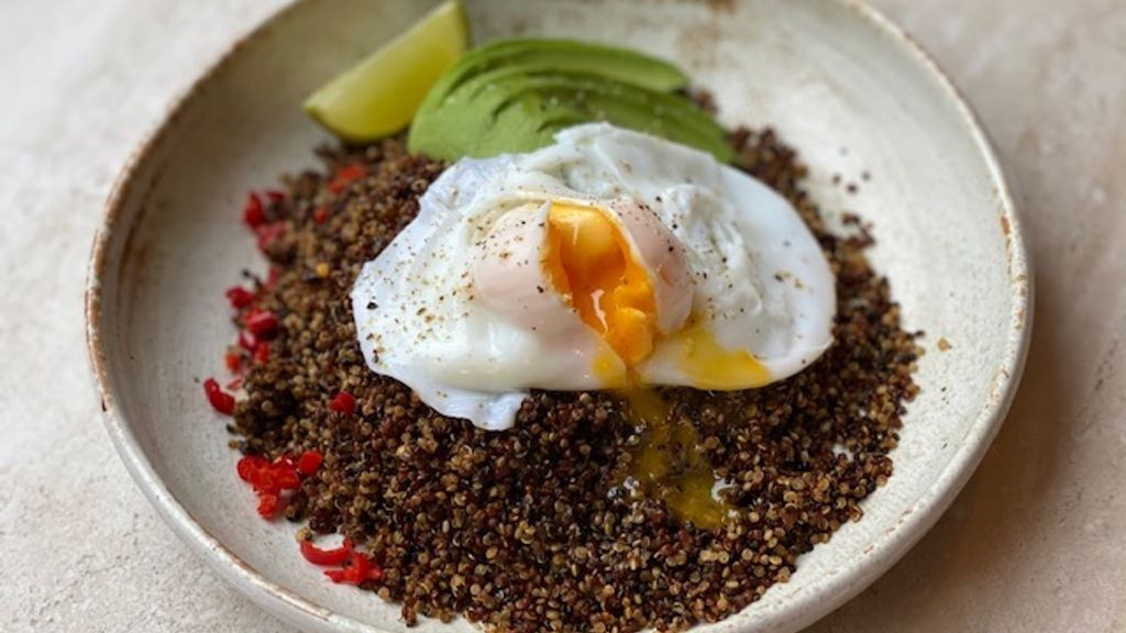 Southwestern Quinoa Breakfast Brunch Bowl