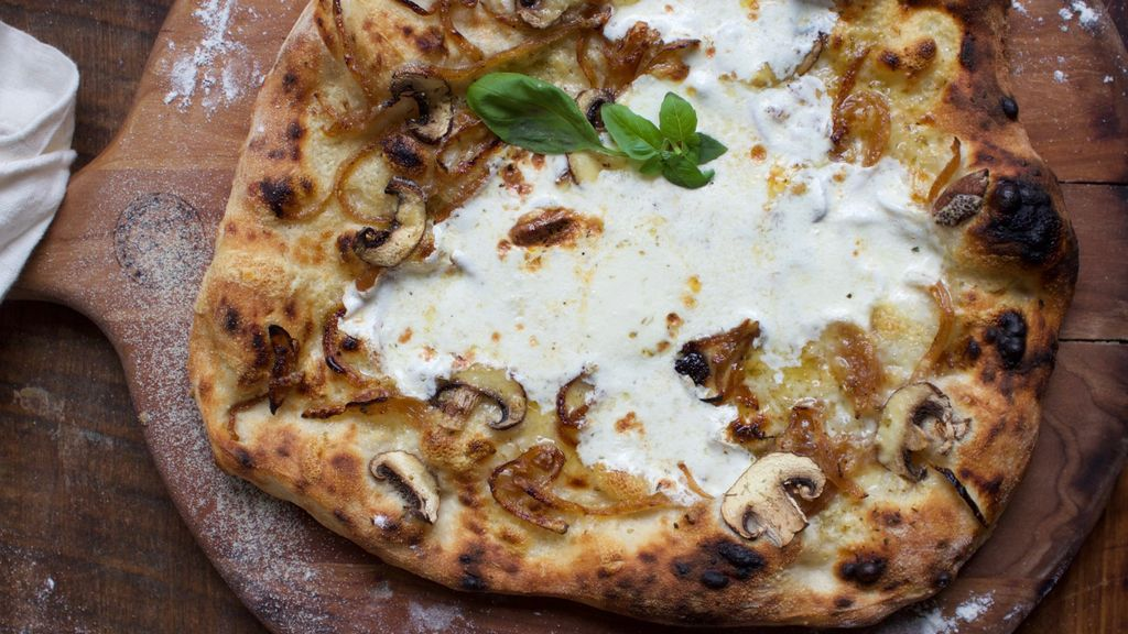Caramelized Onion and Mushroom Pizza