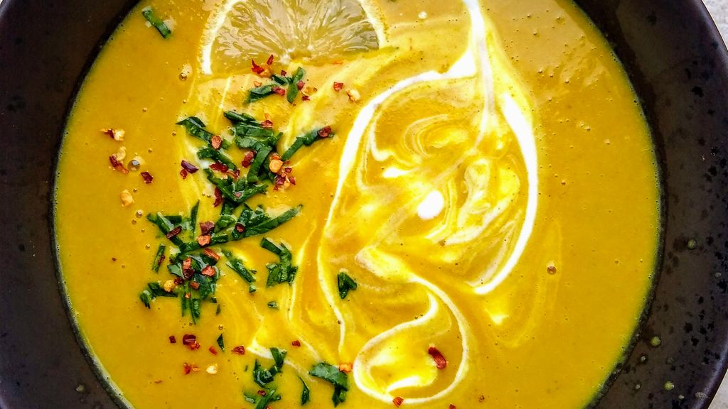 Instant Pot Carrot & Yellow Lentil Soup