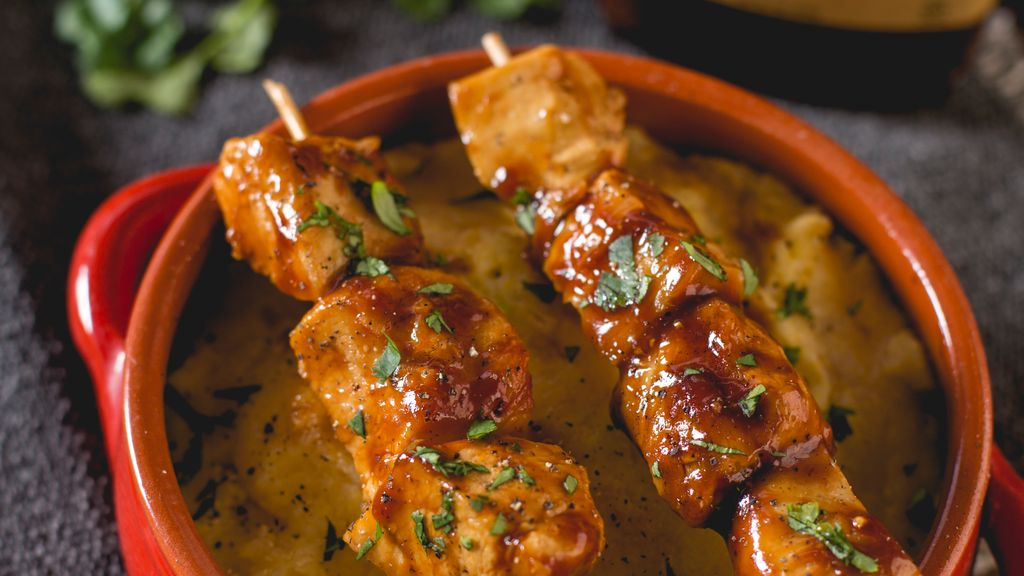 BBQ Chicken Skewar Over Creamy Polenta