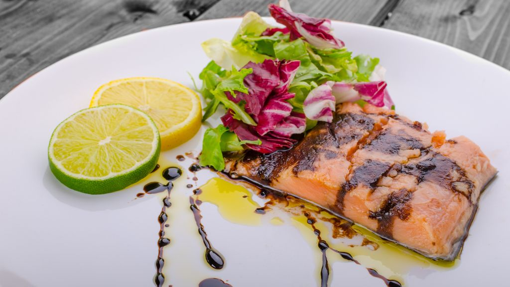 Baked Salmon with Pomegranate Balsamic Glaze