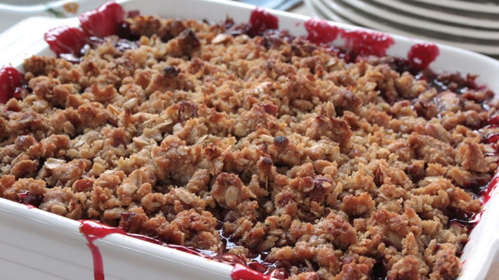 Blackberry-Lemon Pecan Crisp