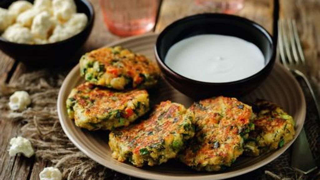 Cauliflower Veggie Burger with Vegan Ranch Dressing