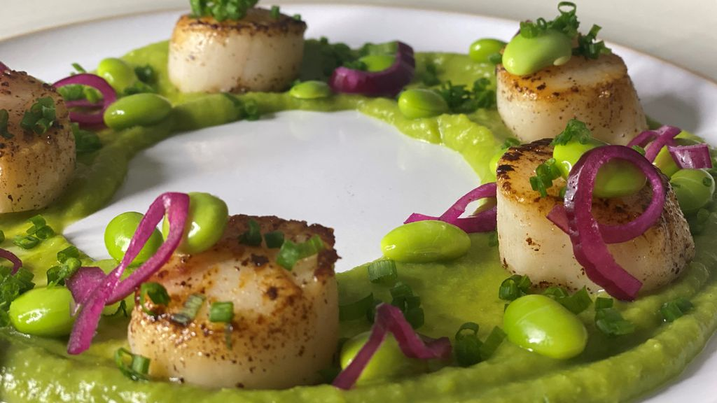 Scallops with Pea Purée, Pickled Red Onions & Edamame
