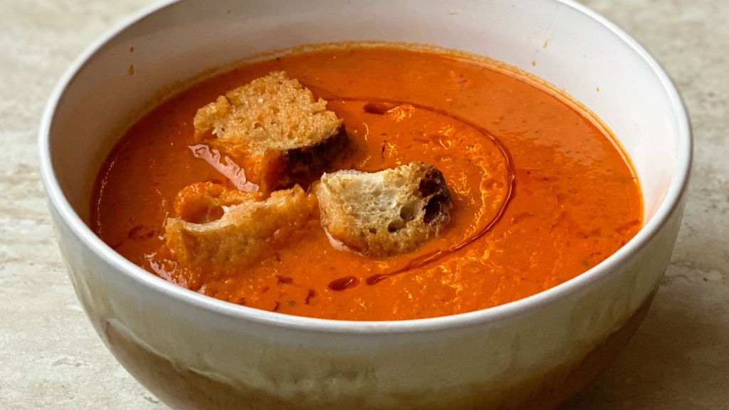 Roasted Pepper, Tomato, & White Bean Soup