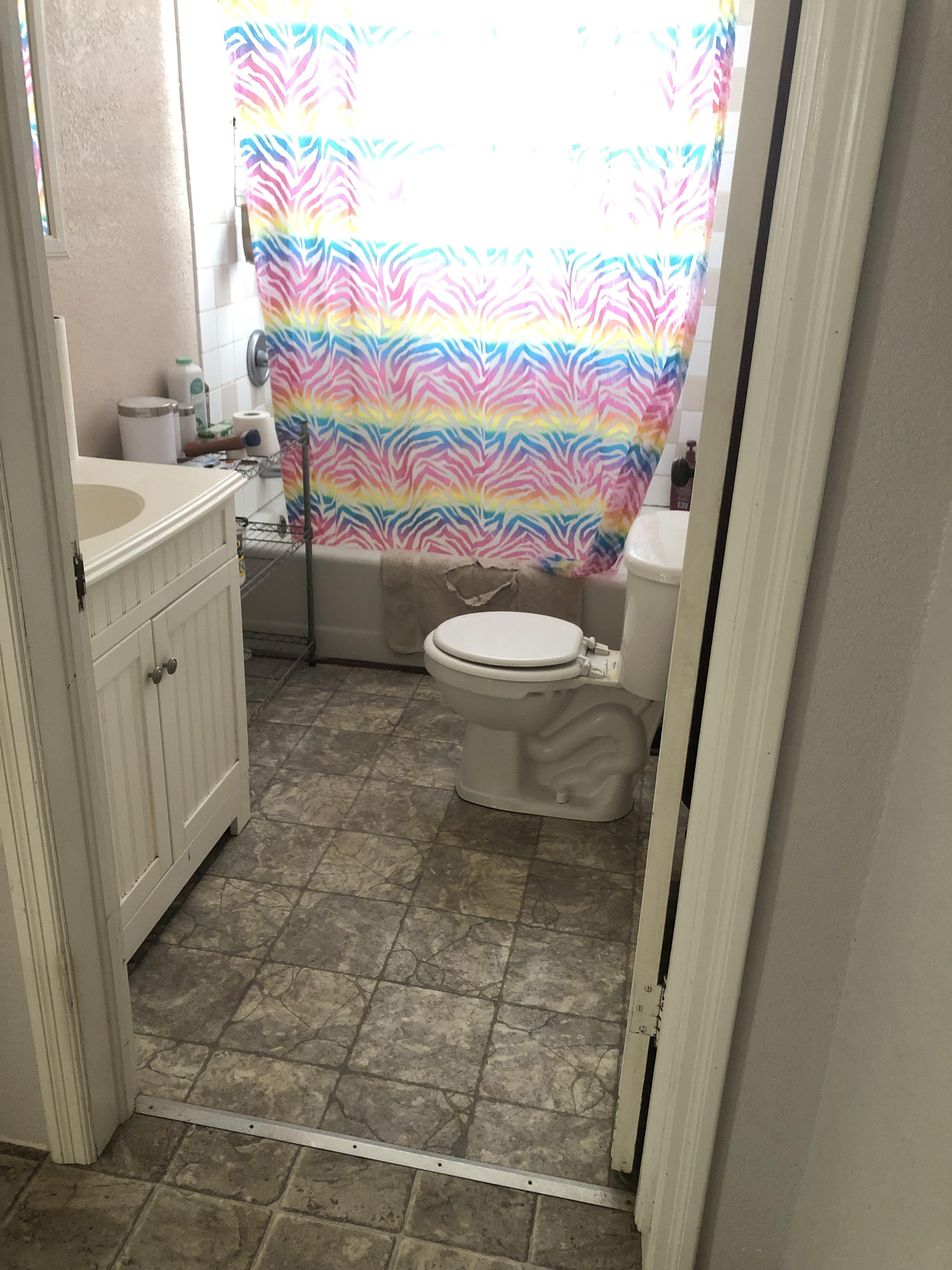 808_park_full_bathroom.jpg