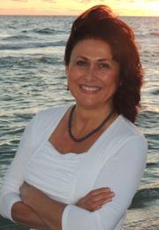 Paula Renaye