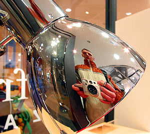 Kossowski Pal | Shopping for reflections | Minami Osawa / Japan