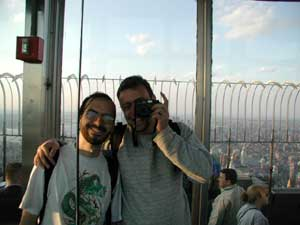 "Eduardo Simioni | The usual ""Hey Mom! I've Been to The Empire State Building"" picture 