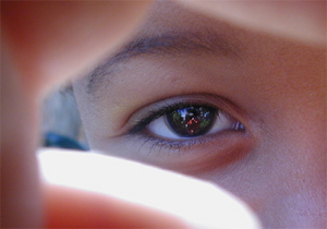 Tiffany Bauer | reflection in the eye of a child | Venice, California