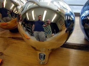 Jari Soikkeli | Glass mirror ball | Nuutaj�rvi Finland
