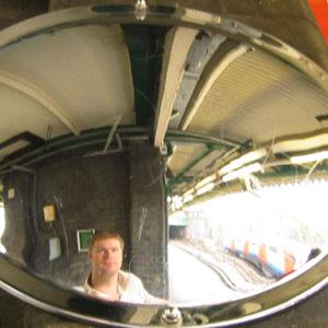 Simon Gurney | underground | edgeware road tube