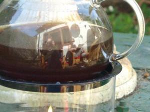Irrbert | Teapot in the garden | Germany