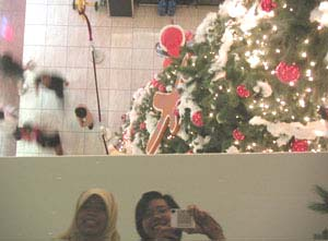 Mimsie | X'mas shoppers | Singapore - Tiong Bahru Plaza