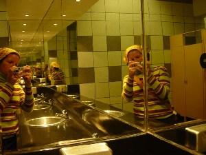 fiorella | a green green bathroom | lima, peru