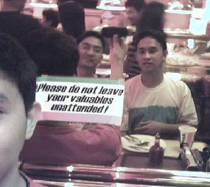 edwin ka edong | Don't leave your valuables unattended | Sbarro, SM City, QC, Philippines
