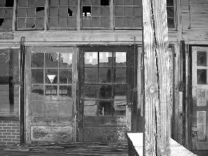 Nathan L. Walls   Abandoned Garage, Plymouth, NC   Plymouth, NC off of U.S. 64