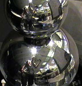 Ian Lloyd | Just a bunch of balls | Sydney, Australia