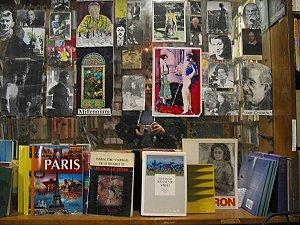 Danielle Jansen   Books at Shakespeare & co   Paris, France
