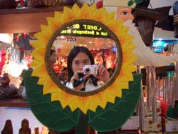 mae | The Sunflower Girl | Robinson's Place, Manila (Philippines)