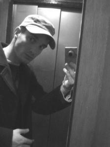Damien Boisson-Berçu | Autoportrait en ascenseur | Montrouge, France