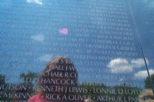 Lynnette Bellin | Reflecting on the Vietnam Memorial | Washington, DC