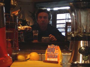 luis pita | alone with a beer | Madrid