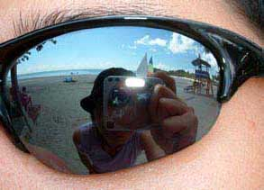 Pari Gan | The sun(glasses), sand and sea | Bintan, Indonesia