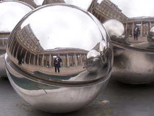 Laura Frazer | Spherical Folly | Paris, France