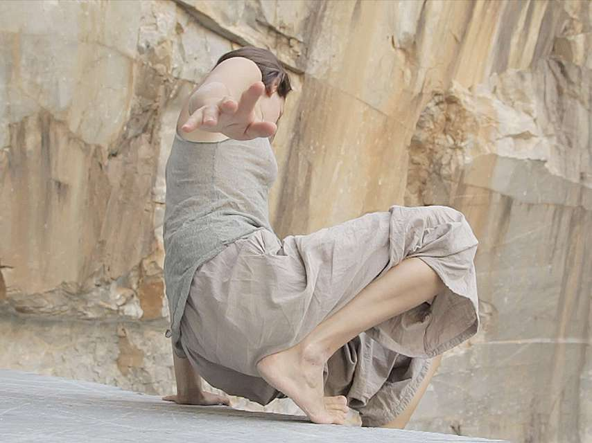 Mykonos Biennale 2015 - Film Festival -  Marmo (marble) - screen shot