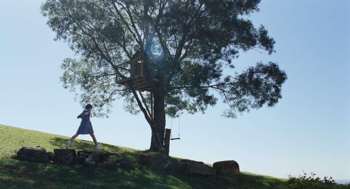 Mykonos Biennale 2015 - Film Festival -  The Raven - screen shot